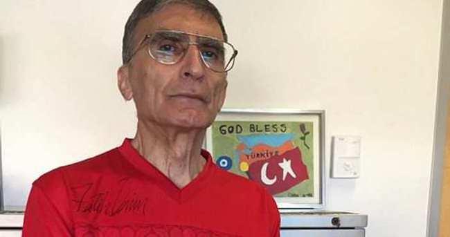 Aziz Sancar Milli forma ile poz verdi
