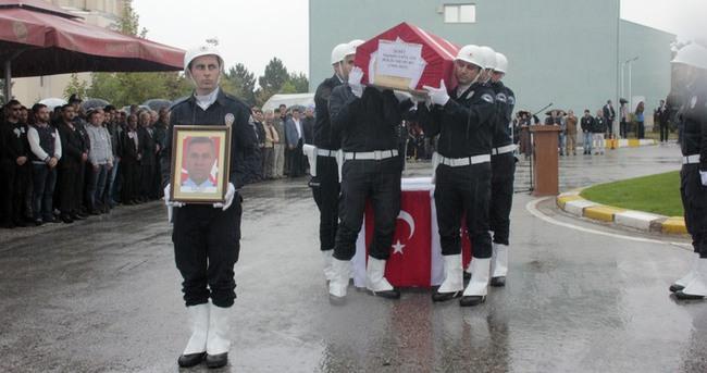 Urfa'da şehit düşen polis defnedildi