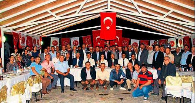 MHP adayları muhtarlara buluştu