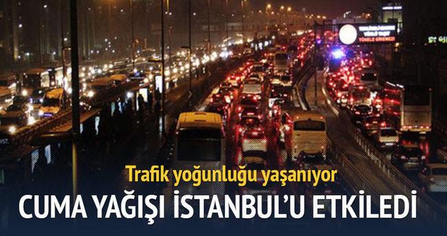 Cuma yağışı İstanbul'u etkiledi