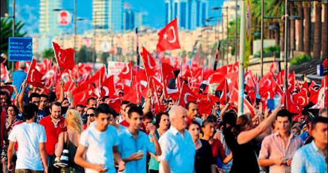 Büyükşehir 25 bin adet bayrak dağıtacak