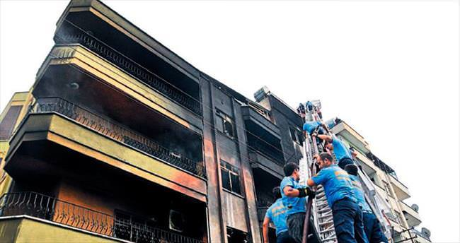 Pamuklar tutuştu apartman yandı
