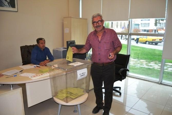Ayvalık Deniz Hudut Kapısı'nda 830 Oy Kullanıldı