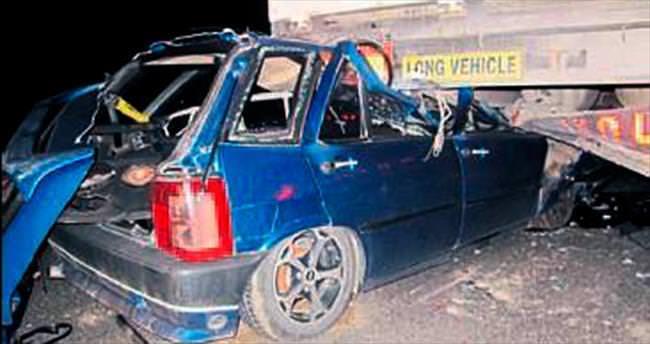 Tıra çarpan aracın sürücüsü yaralandı