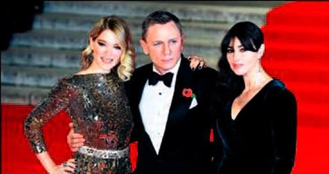Bond galasına Kraliyet damgası