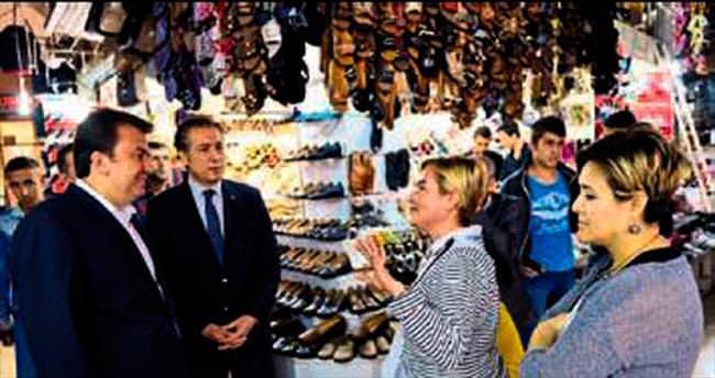 Ayakkabıcı esnafı Erkoç'la buluştu