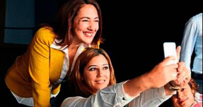 'Yaktın Beni' ekibi Adanalılarla buluştu