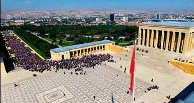 Anıtkabir 19.30'a kadar ziyarete açık