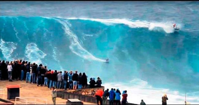 20 metrelik dalgayla yeni sezonu açtılar