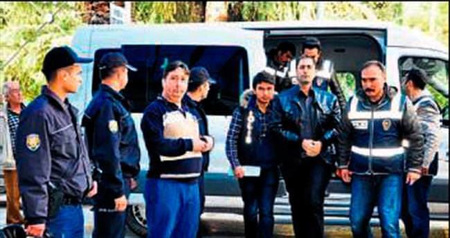 Paralel operasyonda üç kişi tutuklandı