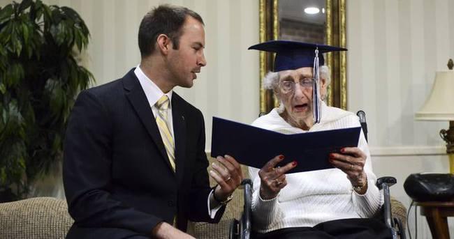 97'sinde lise diplomasına kavuştu