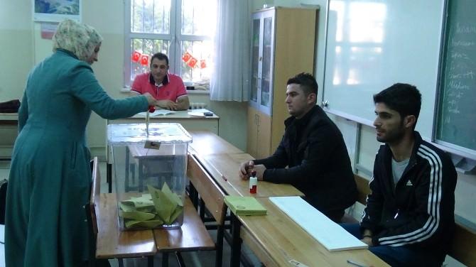 Şanlıurfa'da Oy Verme İşlemi Başladı