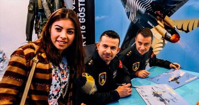 Solotürk ekibinden vatandaş söyleşisi