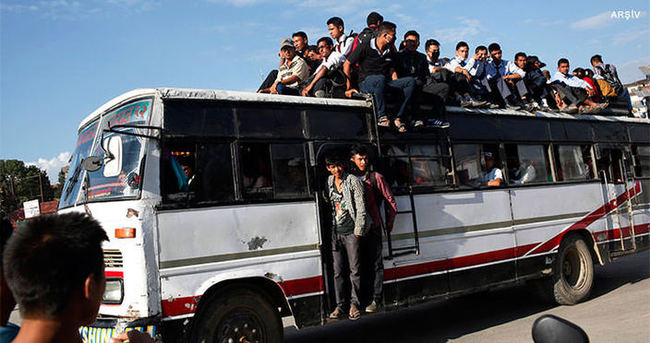 Nepal'de katliam gibi kaza