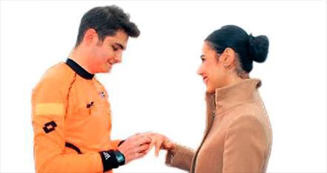 Yeşil sahada ilk defa bir hakem evlilik teklifi yaptı