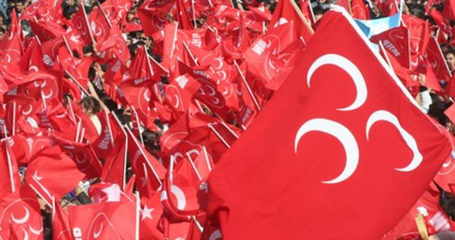 MHP'li iki ilçe başkanı istifa etti
