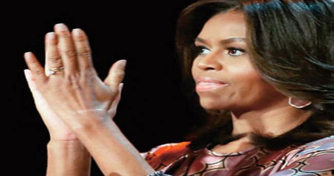 First lady kum fırtınasına takıldı
