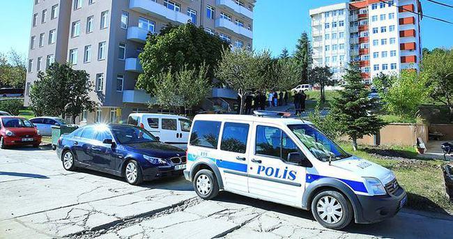 Tıp profesörü Üstün, evinde ölü bulundu
