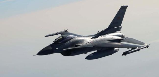 Yunanistan 4 F-16 uçağıyla taciz etti