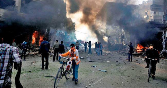 Esad'ın uçakları yine Duma'yı vurdu