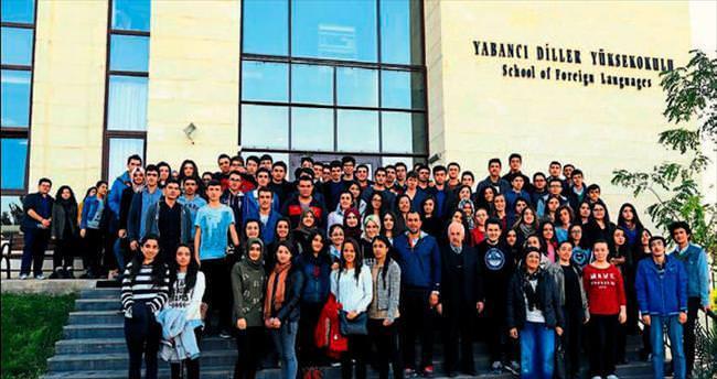 Lise öğrencileri HKÜ'yü keşfetti