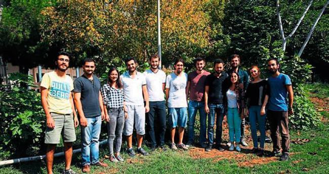 Tohumları kampusa öğrenciler atıyor