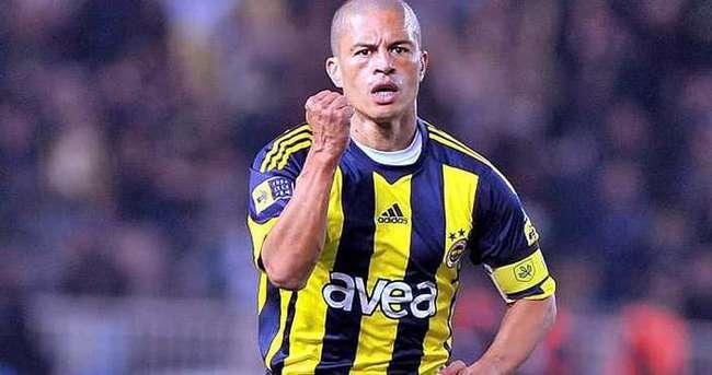 Fenerbahçe'den Alex'e: Neden imzanı değiştiriyorsun?