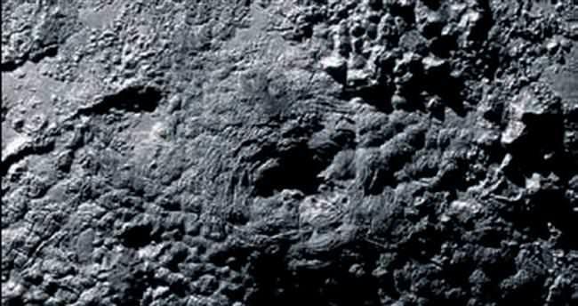 Plüton'da buz volkanı işareti