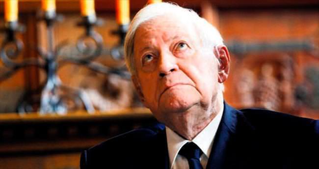 Helmut Schmidt yaşamını yitirdi