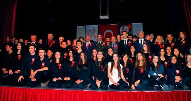 Gölbaşı Anadolu Lisesi Atatürk için ayaktaydı