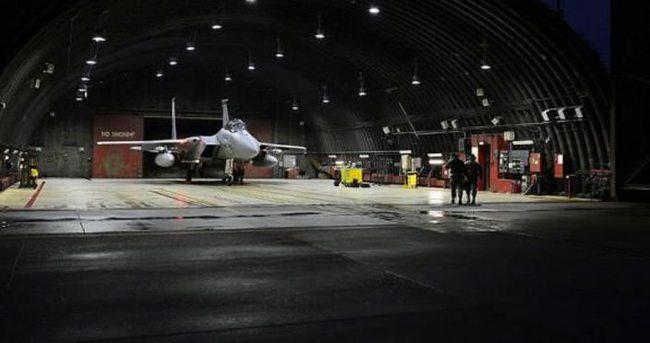 ABD'nin F15 savaş uçakları Türkiye'de