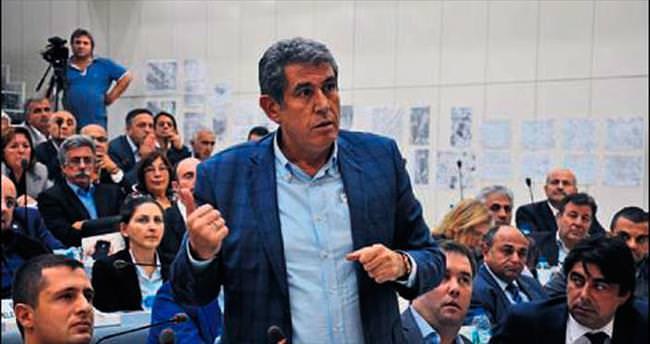 İzmir meclisinde Sus lan sesleri