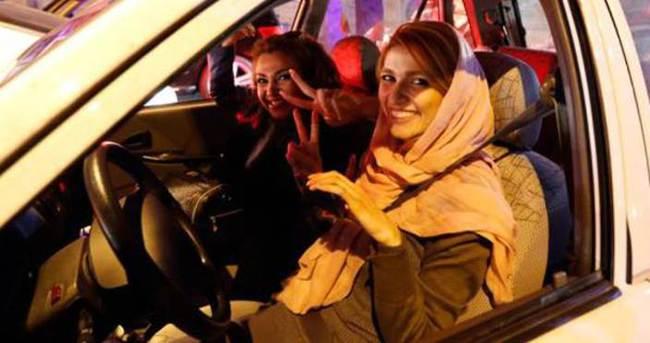 İran'da başörtüsüz araç kullananların araçları alınacak