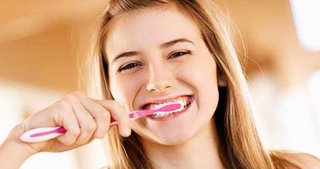 Bu alışkanlıklar dişlere zarar veriyor