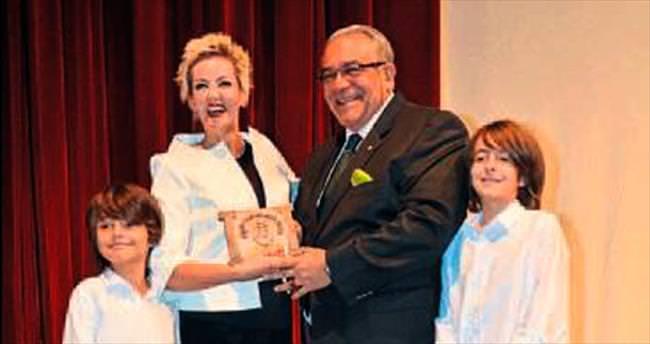 Direklerarası Seyirci Ödülünü ikinci kez aldı