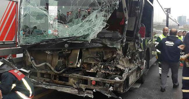 Metrobüs kazasında 1 kişi yaralandı