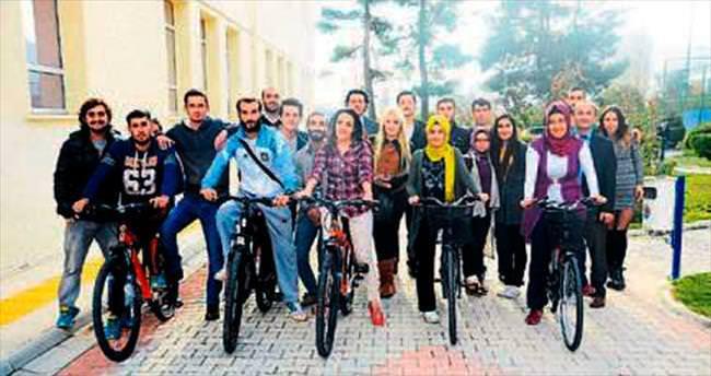 Öğrenciler için ücretsiz bisiklet