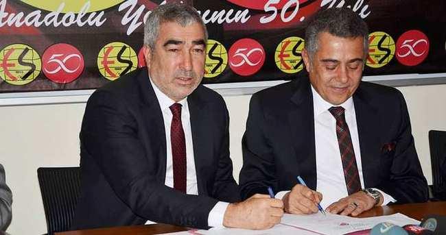 Samet Aybaba, Eskişehirspor'a imzayı attı