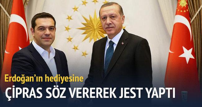 Erdoğan'ın hediyesine Çipras'tan jest