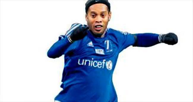 Pirlo ve Ronaldinho gelmeye hazırlar!