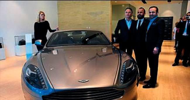 Aston Martin'in İzmir mağazası açıldı