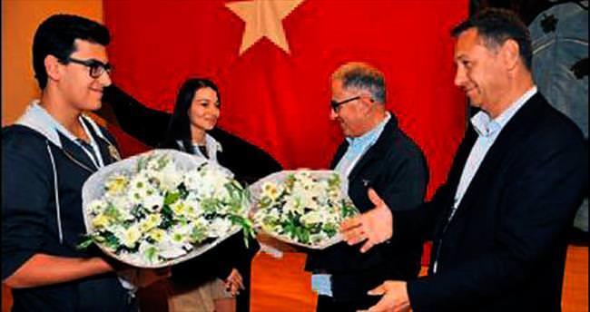 Liseli gençlere Yeditepe Üniversitesi tanıtımı