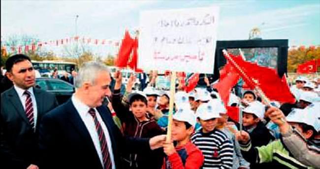 Suriyeliler için geçici eğitim merkezi açıldı