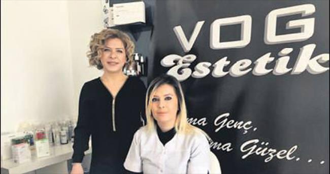 Vog Estetik öğretmenlere jest yaptı