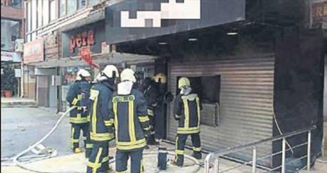Giyim mağazası alev alev yandı
