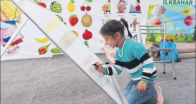 Suriyeli miniklere anaokulu açıldı