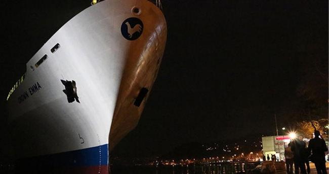 Sarıyer'de gemi karaya oturdu