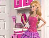 Barbie ve Minik Arabaları