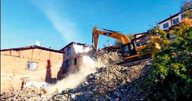 Çankaya'da gecekondu yıkımlarına devam