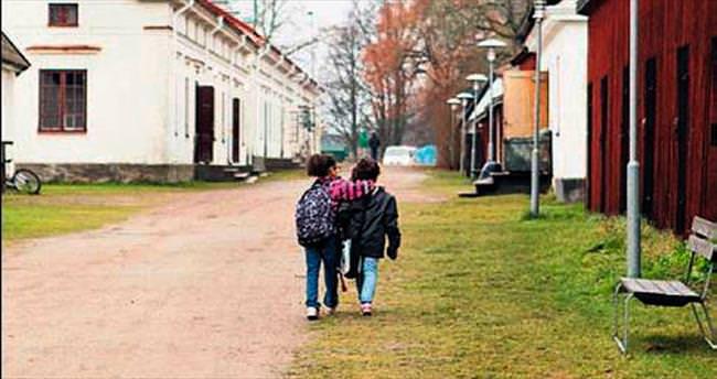 İsveç'te göçmen çocuklara zulüm
